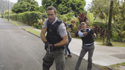 Hawaii Five-0 - A'ole e 'ōlelo mai ana ke ahi ua ana ia - Season 8 Episode 1