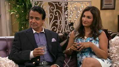 Anger Management - Charlie Helps Lacey Stay Rich - Season 2 Episode 42