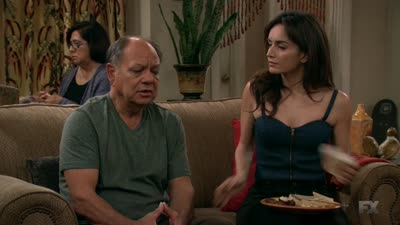 Anger Management - Charlie and the Hot Latina - Season 2 Episode 52