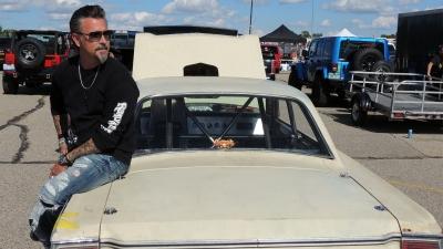 Racing a '67 Dodge Dart (2)