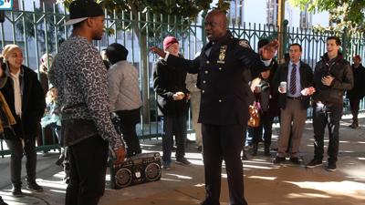 Watch Brooklyn Nine-Nine - Season 3 Episode 11 : Hostage Situation
