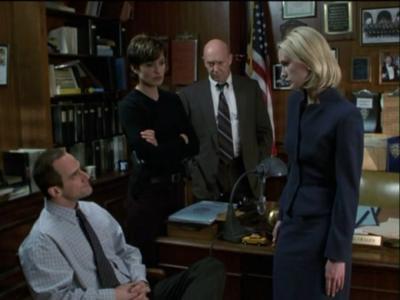 Law & Order: Special Victims Unit - Season 2 Episode 18 : Manhunt