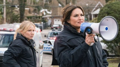 Law & Order: Special Victims Unit - Season 19 Episode 20 : The Book of Esther