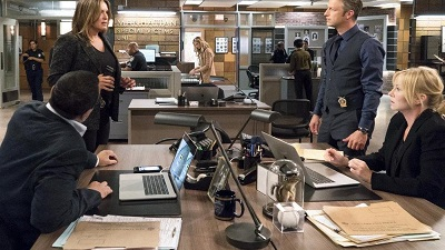 Law & Order: Special Victims Unit - Season 20 Episode 2 : Man Down