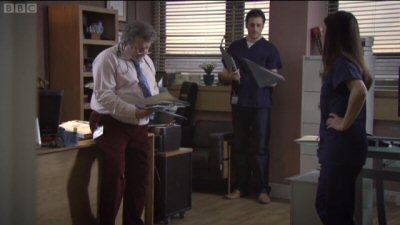 Holby City - Crossing the Line - Season 13 Episode 28