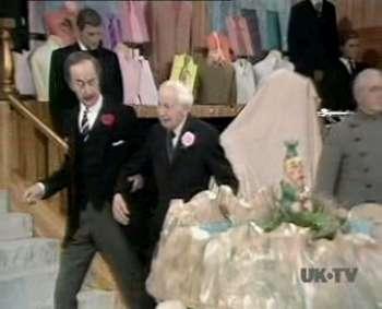 Christmas Crackers (1975 Christmas Special)