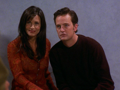 Friends - Season 7 Episode 5 : The One With The Engagement Picture