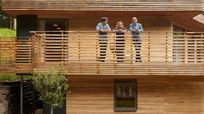 South Cornwall: Wavy Wooden House