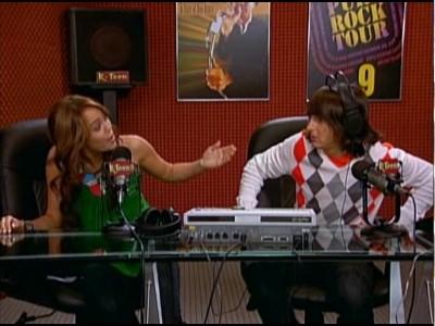 Miley Hurt the Feelings of the Radio Star