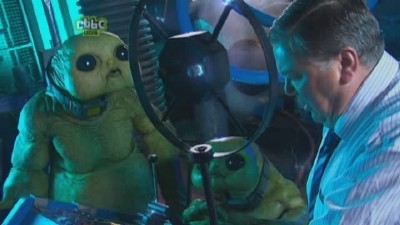 Revenge of the Slitheen (2)