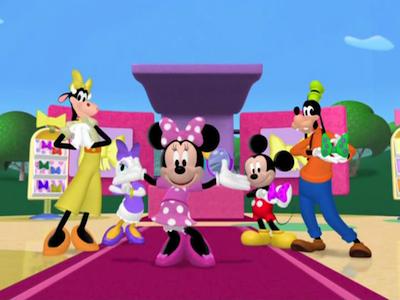 Minnie Mouse Tique Sweet Surprises Kitchen Review