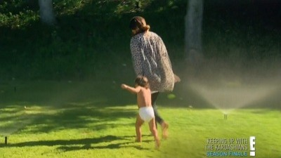 Keeping Up with the Kardashians - Season 7 Episode 18 : Baby, Baby, Baby