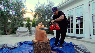 Keeping Up with the Kardashians - Season 8 Episode 13 : The Kardashian Chainsaw Massacre
