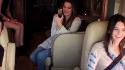 Keeping Up with the Kardashians - Season 8 Episode 19 : Close Encounters of the Kardashian Kind
