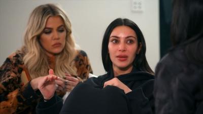 Keeping Up with the Kardashians - Season 13 Episode 2 : Paris