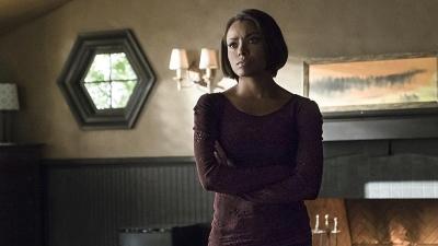 Diários de um Vampiro - Pássaro Numa Gaiola Dourada - Season 6 Episode 17