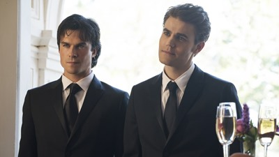 The Vampire Diaries - The Simple Intimacy of the Near Touch	 | Season 8 - Episode 9