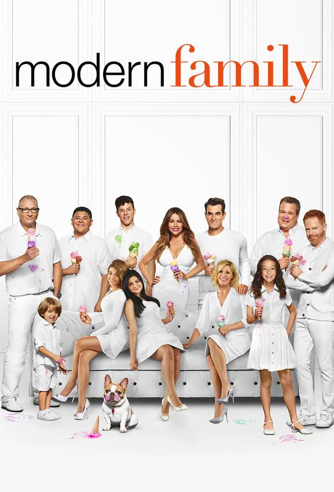 Modern Family - Season 10 Episode 10 : Stuck in a Moment